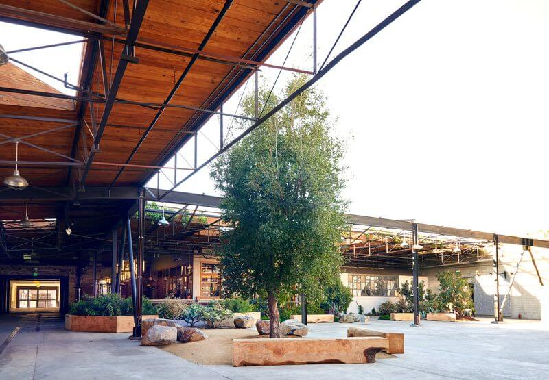 Outdoor area at hauser & wirth
